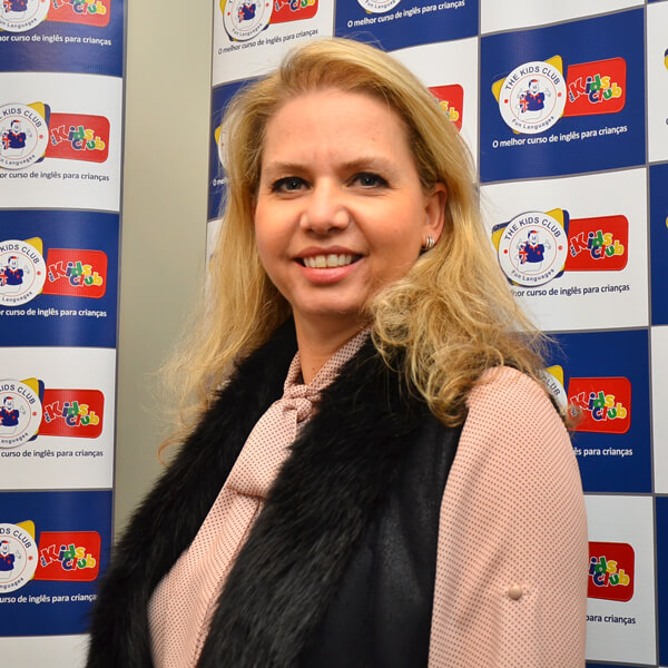 Sylvia de Moraes Barros